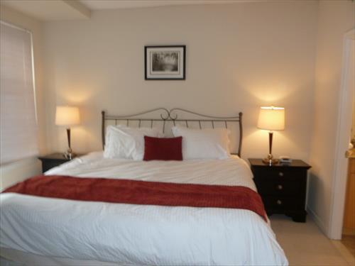 Bedroom - Lux 2BR w/Den at 2400M - Washington DC - rentals