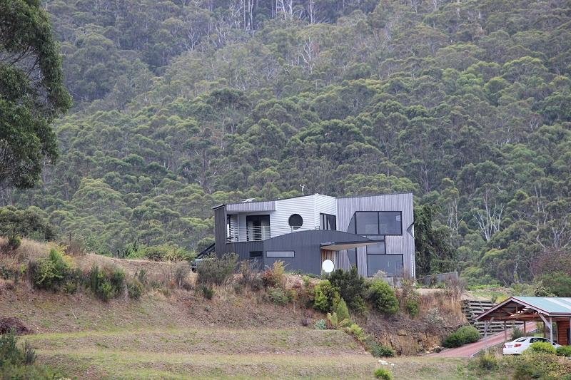 Quarry Hill Lookout A luxurious,  property located in Dover in Tasmania's Far South - Image 1 - Dover - rentals