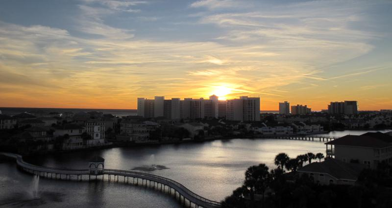 Gorgeous Sunset! - Newly Remodeled Corner Unit W/Amazing Gulf Views!! - Destin - rentals