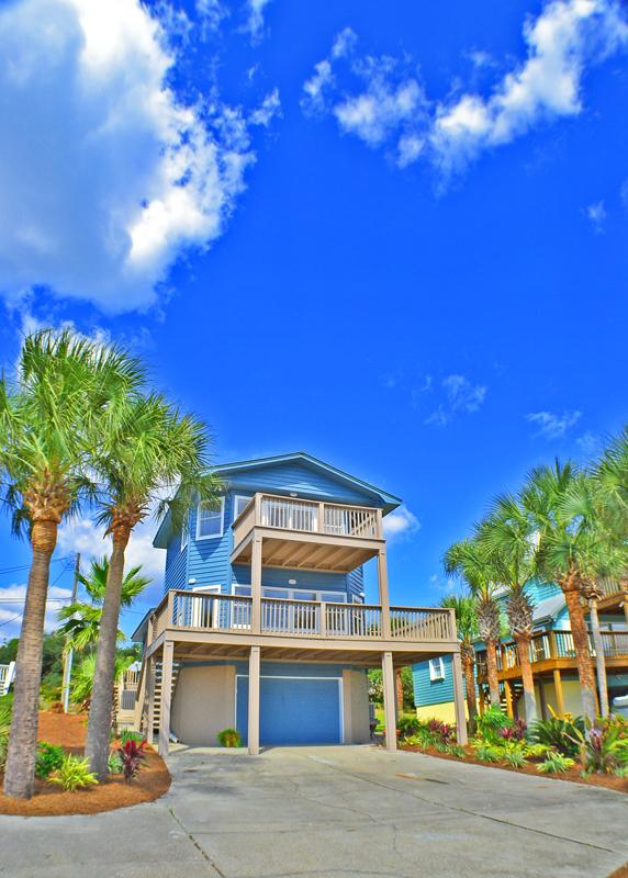 Blue Sails | Pet Friendly | Pool | Private Beach - Image 1 - Panama City Beach - rentals