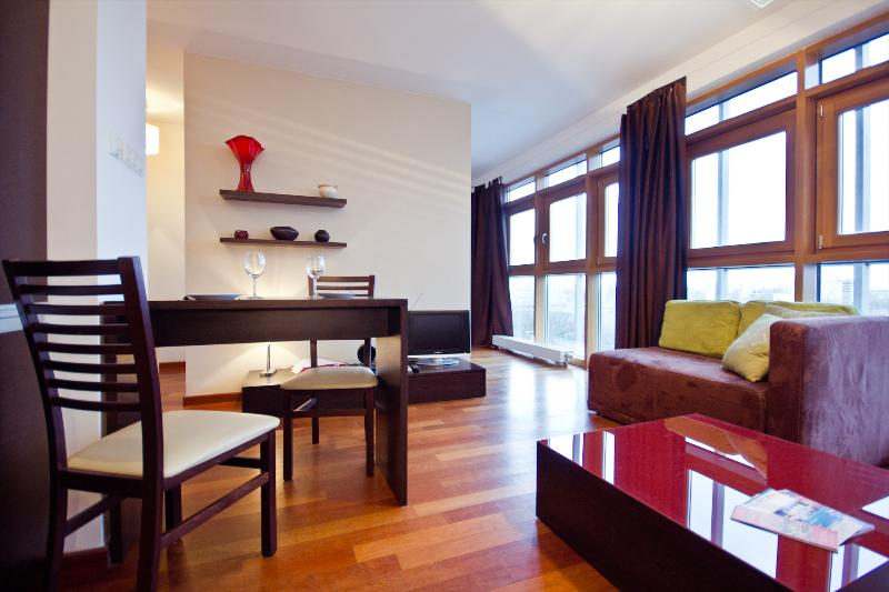 P&O Arkadia 9, next to metro and Old Town! - Image 1 - Warsaw - rentals