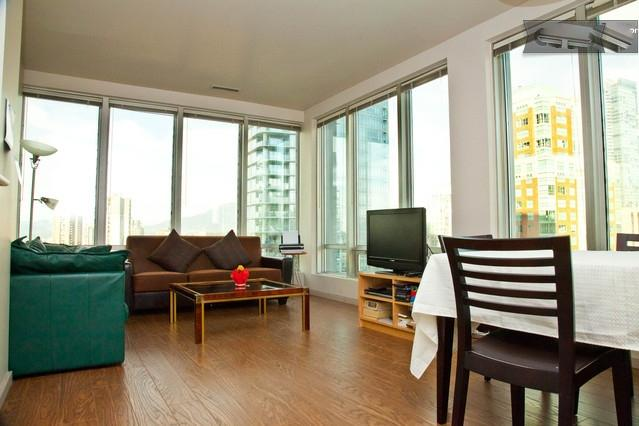Fully Furnished Central 1 BR-Great View-Sleeps 4 - Image 1 - Vancouver - rentals