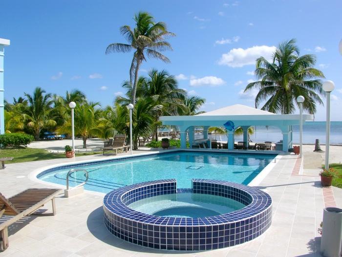 Resort pool - A6: Beachfront with verandas, pool, bikes & kayaks - San Pedro - rentals