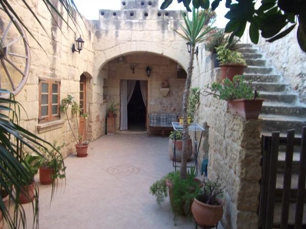 Ta' Napli Farmhouse - Image 1 - Nadur - rentals