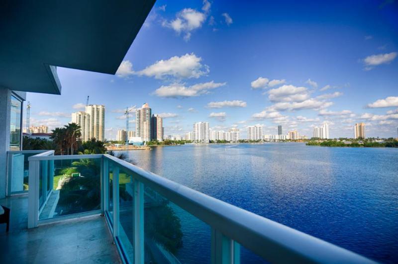 Luxury Condo Aventura I (201P) - Image 1 - Aventura - rentals