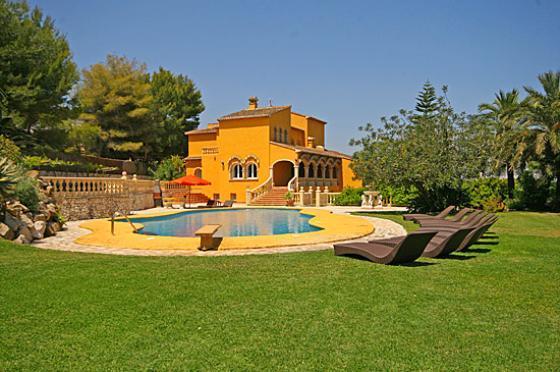 6 bedroom Villa in Javea, Alicante, Costa Blanca, Spain : ref 2127140 - Image 1 - Xabia - rentals