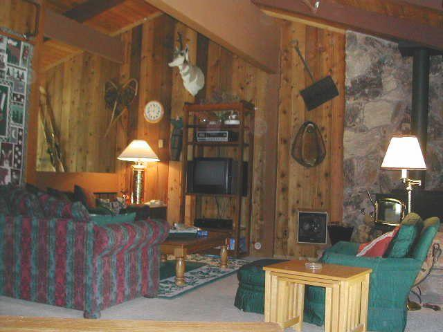 Cozy, Rustic Cabin with Lots of Charm!  5 Beds! - Image 1 - Mammoth Lakes - rentals