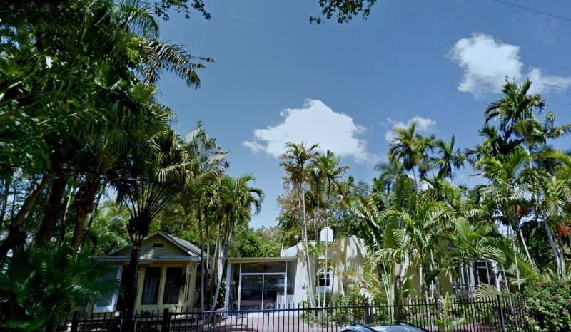 Overall view cottage on the left, house in the middle, studio on the right - 10P 4BR 3BA w/Garden **OFF-SEASON CRASHED RATES** - Coconut Grove - rentals