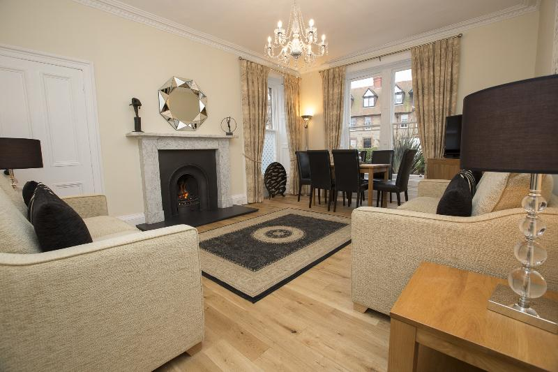 Stunning Living room/Dining room - AARAN OAKS, NEW FOR 2014 - 3 bedrooms - sleeps 6 - North Berwick - rentals