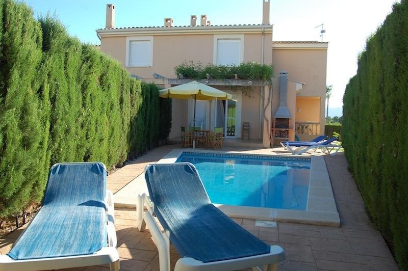 Nice villa with pool, near sea, 8 people - Image 1 - Puerto de Alcudia - rentals