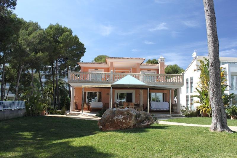 Luxury villa on the seafront, heated pool, jacuzzi - Image 1 - Puerto de Alcudia - rentals
