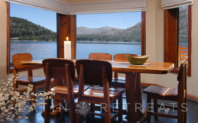 5 BED/3 BATH (H16) ON THE LAKE WITH AMAZING VIEWS! - Image 1 - San Carlos de Bariloche - rentals