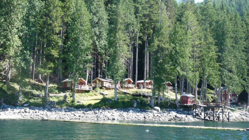 overview of Denham Bay - DENHAM BAY : ESTERO CABIN  Stuart Island B.C. - Sonora Island - rentals
