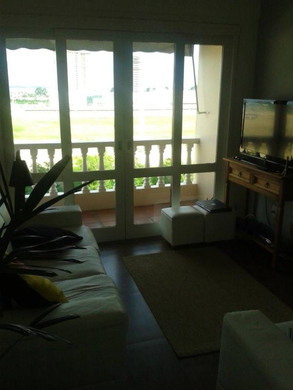 Living Room - Great apartment pretty close to Beira Rio Stadium - Porto Alegre - rentals