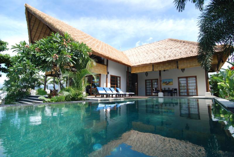 Villa - Villa Mari Masuk:  Enjoy a lovely vacation on the exotic island of Bali in holiday accommodation - Seririt - rentals