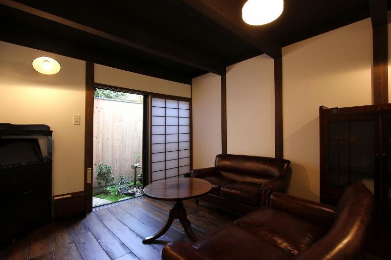 Living room - GION`s Hidden Gem-- Exquisitely Restored Machiya - Kyoto - rentals