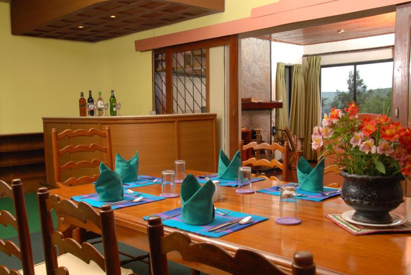 Bar and Dining Table - The Hillsborough Cottage - Nuwara Eliya - rentals