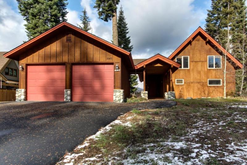 Spacious mountain home with private hot tub & pool access - Image 1 - McCall - rentals