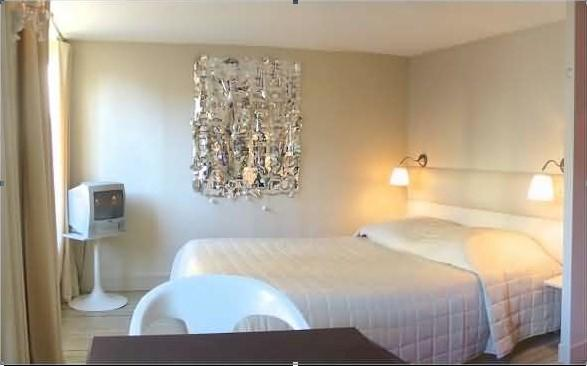 Bedroom - Marais Rooftops - Bright central studio apartment - Paris - rentals