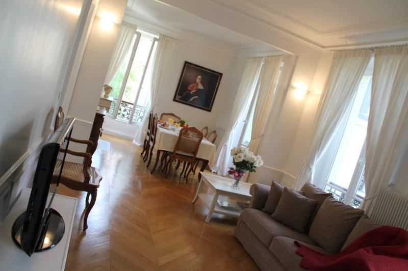 Spacious Marais 1 bedroom apartment - Image 1 - Paris - rentals