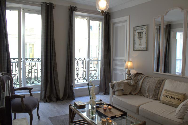 Marais Panache - Polished 1 bedroom apartment - Image 1 - Paris - rentals