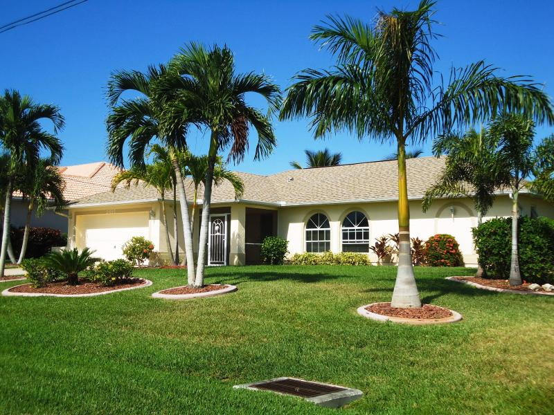 Your tropical escape, Gulf access, heated pool - Image 1 - Cape Coral - rentals