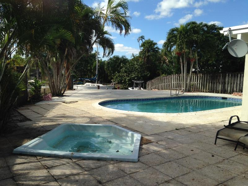 Pool Patio - Newly Renovated Waterfront furnished Property with Pool - Fort Lauderdale - rentals