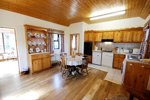 Kitchen and Dining area - Quarry Cottage - Schull - rentals