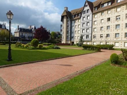 Castel Guermante ~ RA41584 - Image 1 - Deauville - rentals