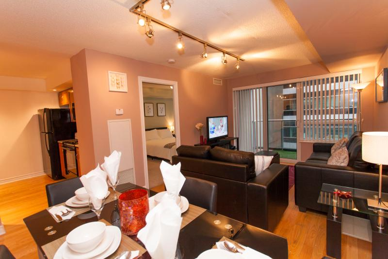 Luxury One Bed+Den- Entertainment District - Image 1 - Toronto - rentals