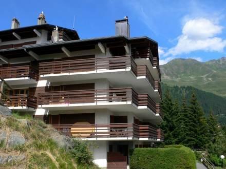 Boucanier 304 ~ RA9249 - Image 1 - Verbier - rentals