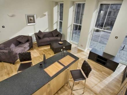 Royal Mile Apartments ~ RA30162 - Image 1 - Edinburgh - rentals