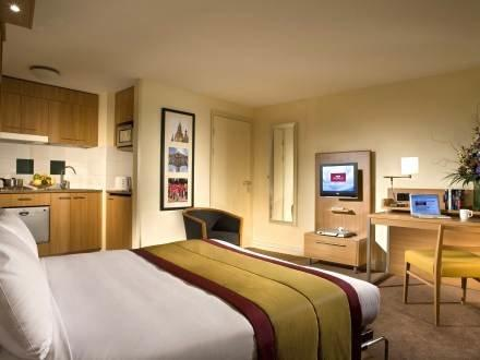 Barbican ~ RA29680 - Image 1 - Islington - rentals