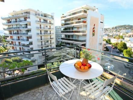 Lou Miradou, Charming 1 Bedroom with a Balcony, Cannes - Image 1 - Cannes - rentals