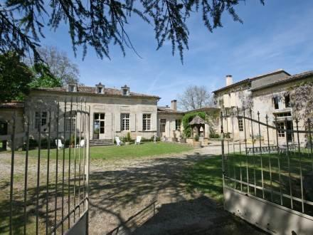 Chateau Ginestet ~ RA26106 - Image 1 - Bergerac - rentals
