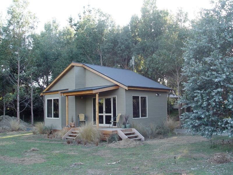 The Cottage - Relaxing accommodation, Manapouri, Fiordland, - Manapouri - rentals