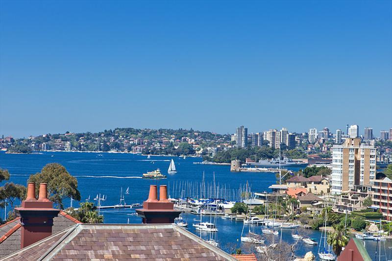 View - Convenient Harbour side Kirribilli  stunning views - Sydney - rentals