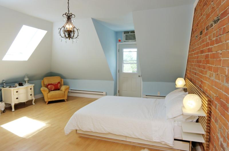 Sweet Suite In Grand Victorian Little Italy Dwtn - Image 1 - Toronto - rentals