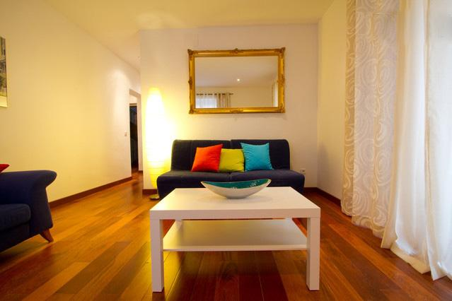 Historic Centre of Madrid - Exterior Sol with Three Balconies - Image 1 - Madrid - rentals