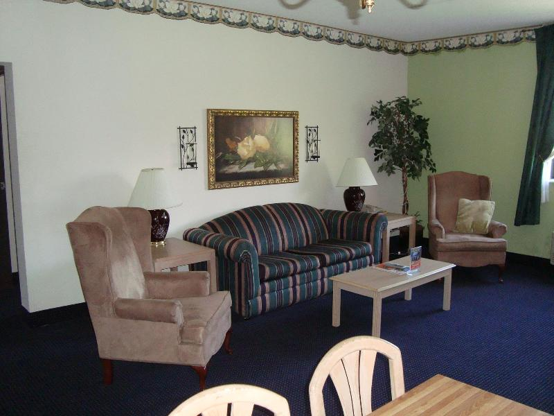 Family Room - 2 Bedroom Family Suite in Pigeon Forge , TN - Pigeon Forge - rentals