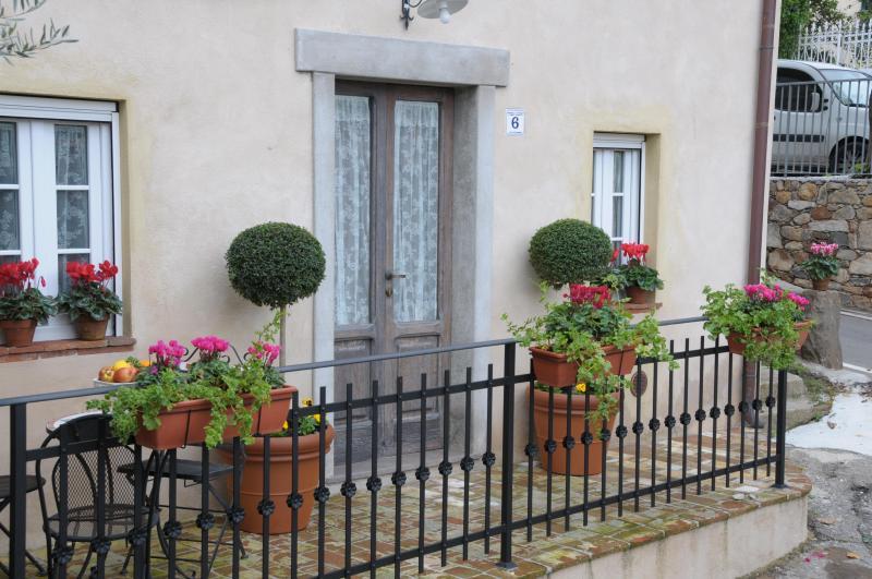 cottage - Image 1 - Sant'Andrea di Compito - rentals