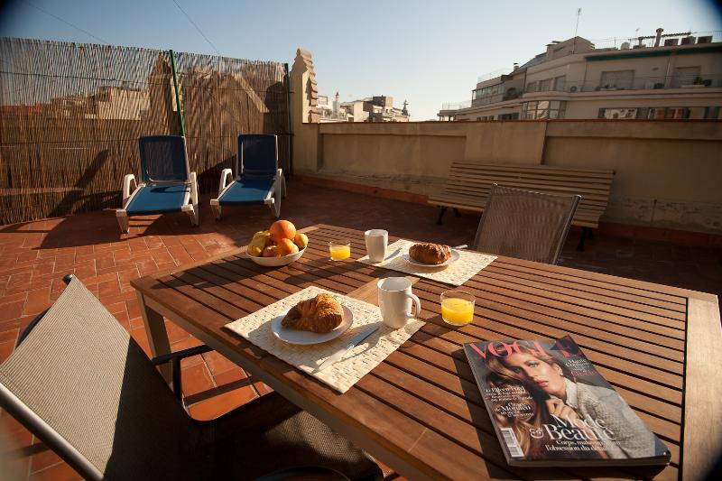 Large sunny private terrace with city views - Fantastic studio loft with large private terrace . - Barcelona - rentals