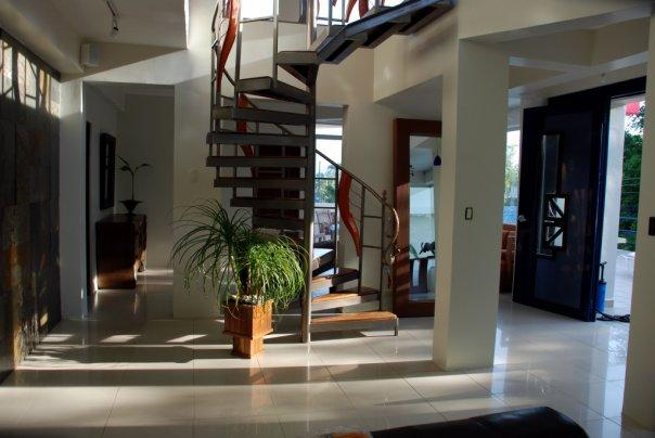 A true gem in a jungle.  All the comforts needed for a memorable vacation in the middle of a Beach/Jungle. - La Miraje New Modern Villa in Manuel Antonio CR - Manuel Antonio National Park - rentals