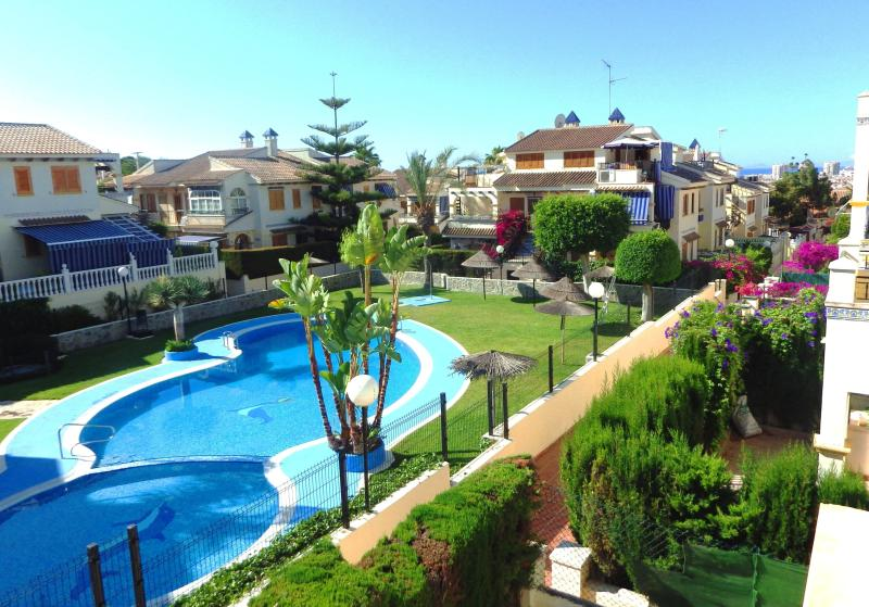 View from the terrace - 2 bedroom condo, 5 min to the beach, ideal for family, free WIFI - Torrevieja - rentals
