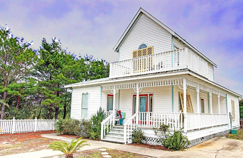 Crystal Cottage - 15% OFF Stays Prior to 5/15! 500 ft to Crystal Beach! Private Pool! Book Onl - Image 1 - Destin - rentals