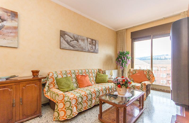 3 Bedroom Apartment in Sants-Montjuïc - Image 1 - Barcelona - rentals
