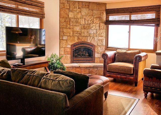 Protector Place Living Area Breckenridge Lodging - Peak 7 Hideaway Pet-Friendly Home Breckenridge Colorado Vacation - Breckenridge - rentals