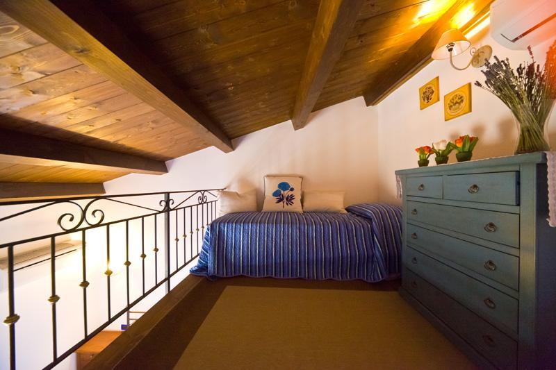 Mezzanine - Charming location apt  Old Town  FREE WI-FI - Alghero - rentals