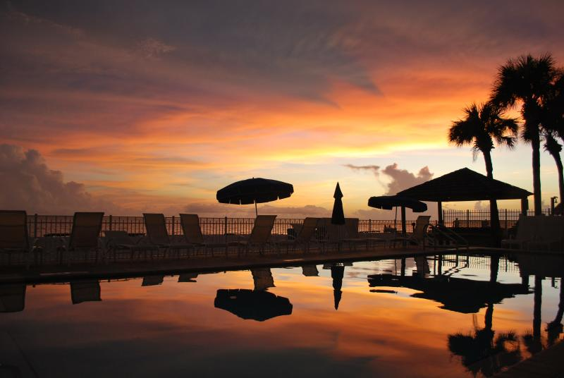 Living the dream - Vacation in Paradise... 'Living the Dream' - Madeira Beach - rentals
