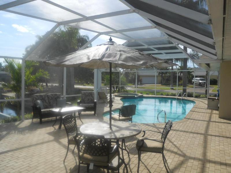 Lanai - Water Front Home Casa Cerca Del Rio- Internet-Pool - Cape Coral - rentals